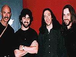 http://www.progarchives.com/progressive_rock_discography_band/Liquid-Tension-Experiment.jpg
