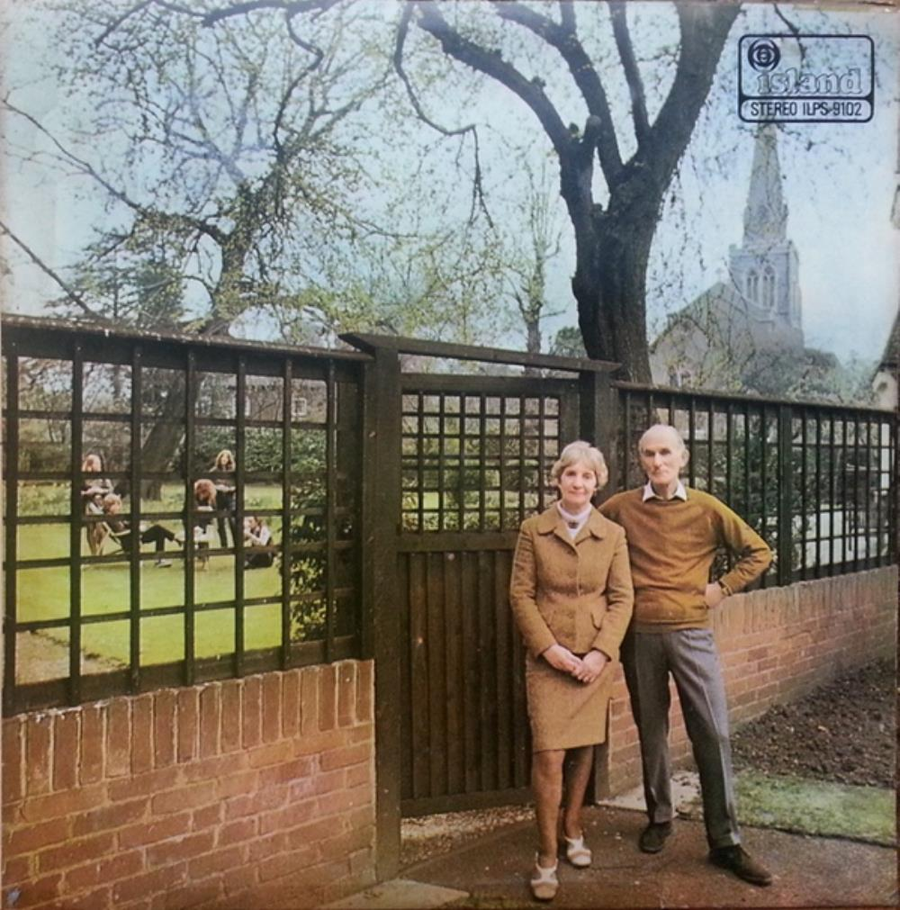 Unhalfbricking by FAIRPORT CONVENTION album cover