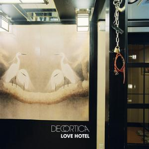 Decortica Love Hotel album cover